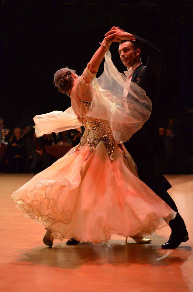 Tanzsportbekleidung Standard und Latein auf netzperlentaucher.de